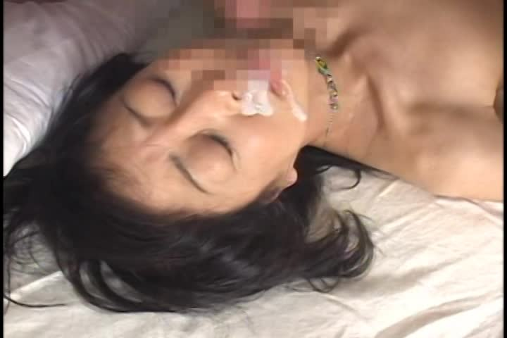 熟女のぶっかけ無料jukujyo動画。精液を顔にぶっかけられたいザーメン汁が大好きな人妻熟女